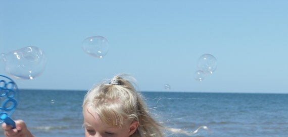 blowing-bubbles-2-2968363